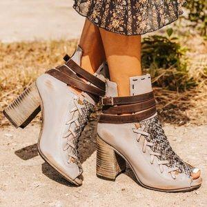 Freebird Boots Eagle Grey Multi